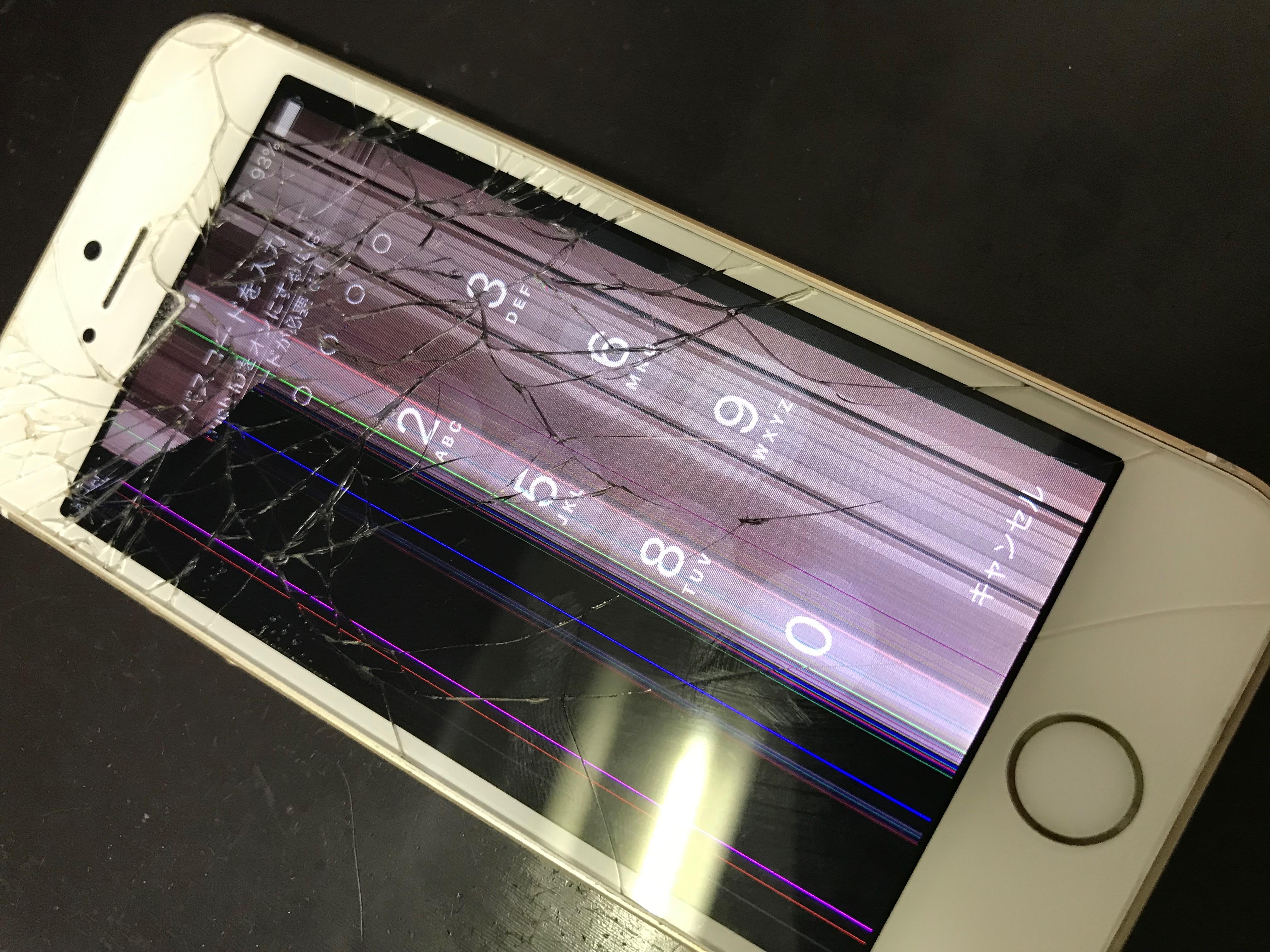 修理前:iPhoneSEの液晶破損も即日修理しています!!