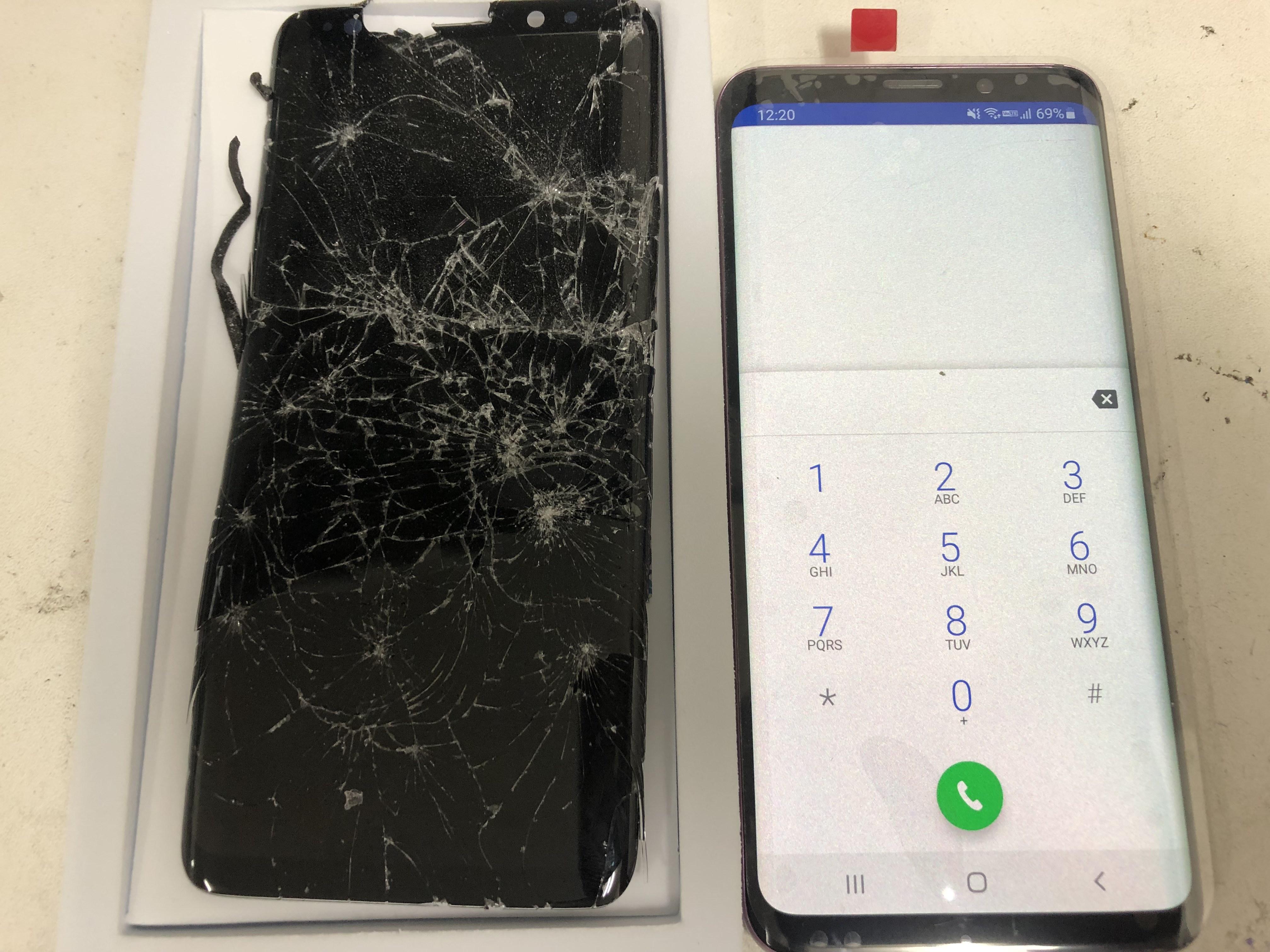 修理後:アイフォンだけでなく、アンドロイドのスマホ修理も受付中(ギャラクシー)